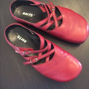 Earth shoes clogs red 7.5 EUC